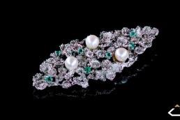 broche perla esmeralda diamantes oro blanco